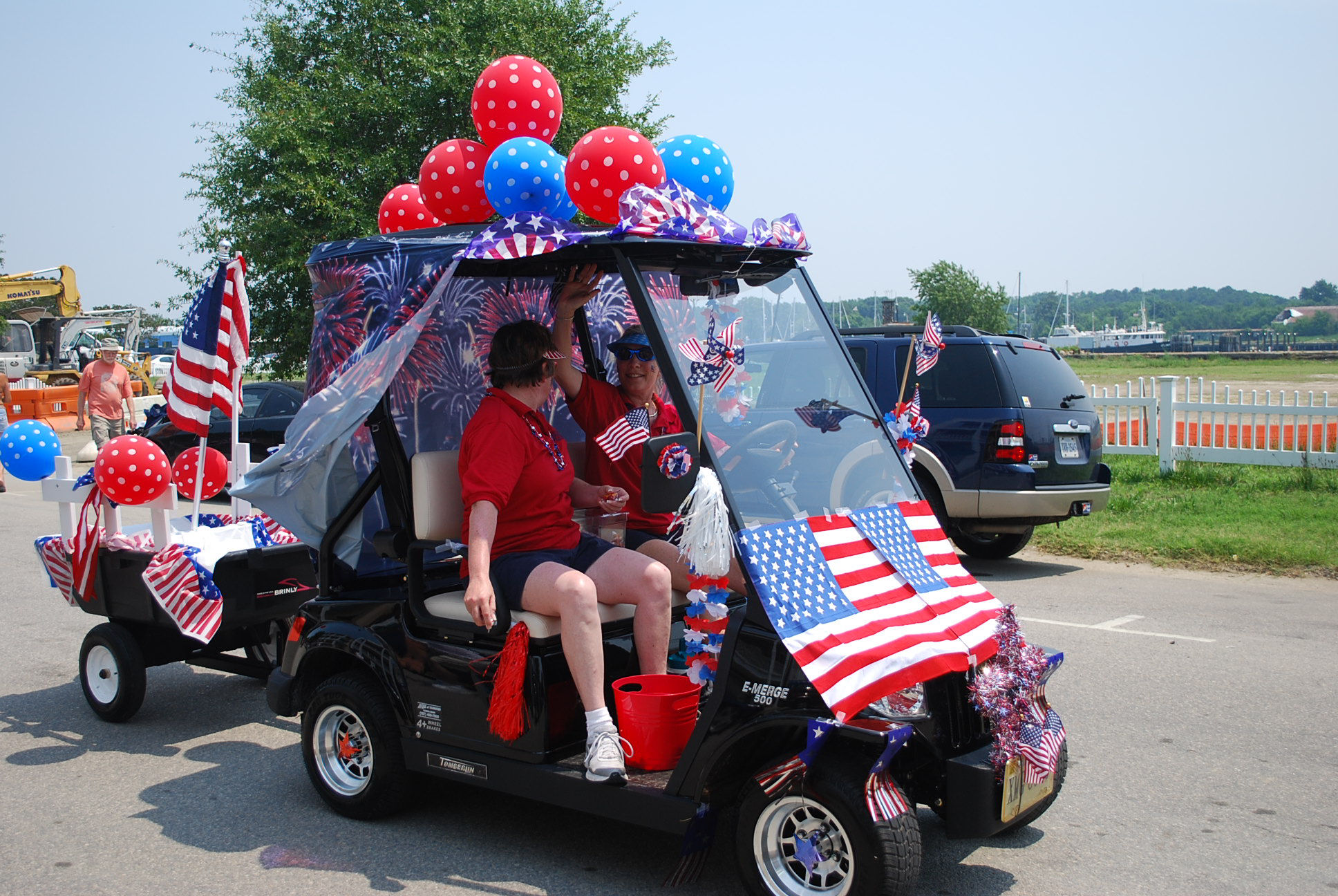 Golf Cart Decoration Contest « Life and Real Estate on the Eastern Golf Cart Decorations For Th Of July on betty boop july 4th, golf cart decorating ideas, golf cart christmas sleigh,