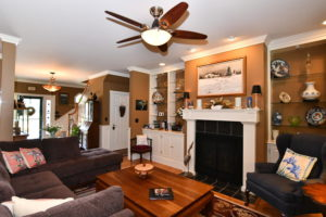 6506 Occohannock Neck Rd-large-060-066-Living Room-1500x1000-72dpi