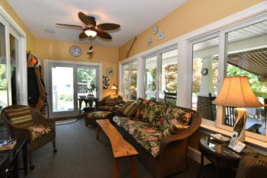 6506 Occohannock Neck Rd-large-090-092-Living Room-1500x1000-72dpi