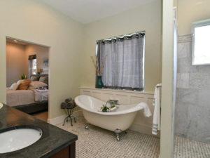1766 Sand Hills Dr Cape-089-137-Bathroom-MLS_Size